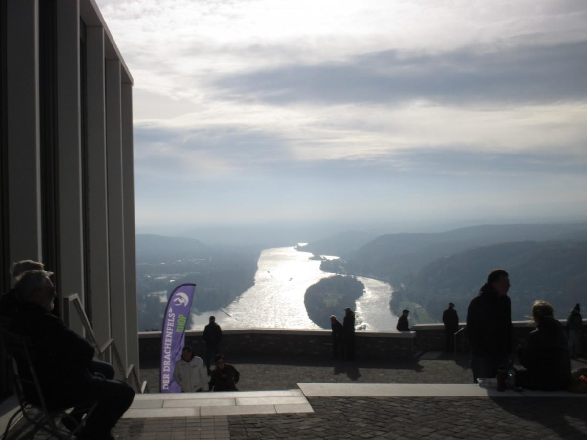 Ausblick auf den Rhein vom Drachenfels