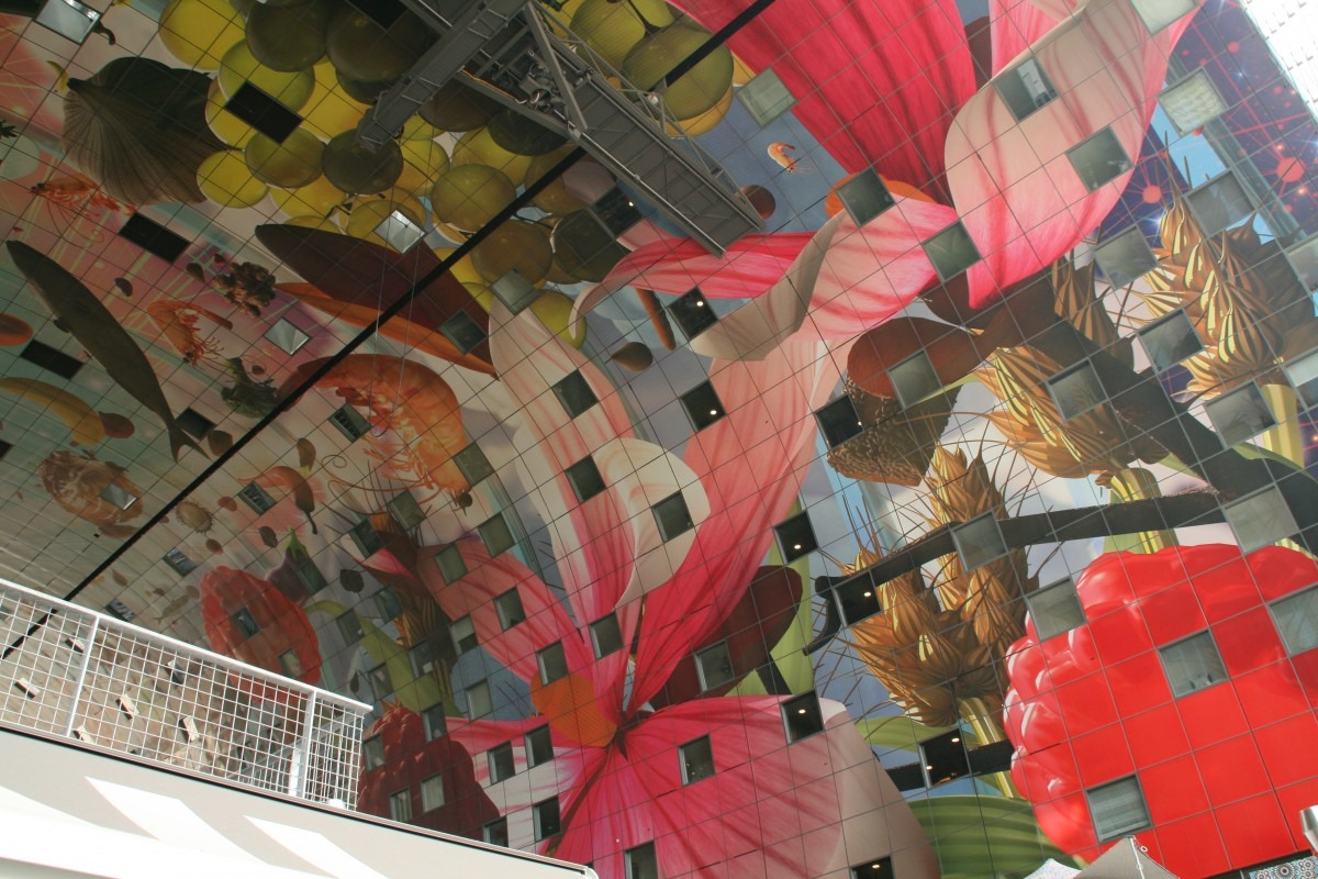 """Gemälde """"Horn der Fülle"""" in Rotterdam Markthal"""