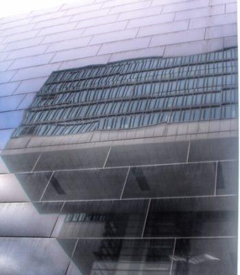 Spiegelung in der Fassade