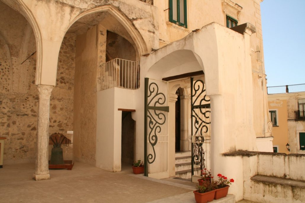 Aufgang zur Kirche in Atrani an der Amalfiküste