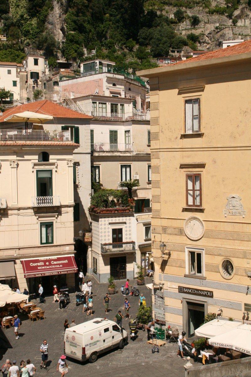 Piazza vor dem Dom von Amalfi