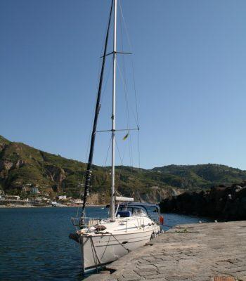 unsere Yacht an der Kaimauer von Sant' Angelo
