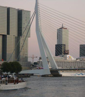 Maas, Kop van Zuid, Erasmusbrücke und die Aida