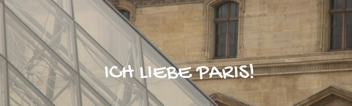Paris Louvre und Pyramide