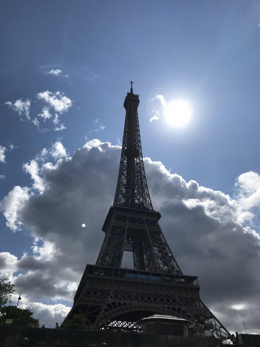 Eiffelturm in der Sonne