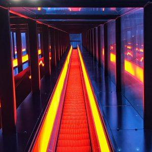 die Rolltreppe zum Eingang des Ruhr Museums auf dem Gelände der Zeche Zollverein