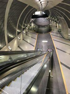 riesige futuristische Haltestelle Heumarkt in Köln