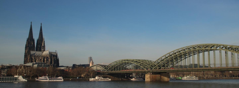 tolles Rheinpanorama mit Kölner Dom und Hohenzollernbrücke