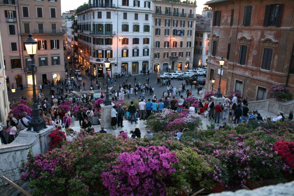 Beliebter Treffpunkt an der Spanischen Treppe in Rom