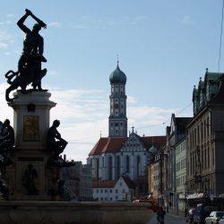 Maximilianstraße mit St. Ulrich und Afra