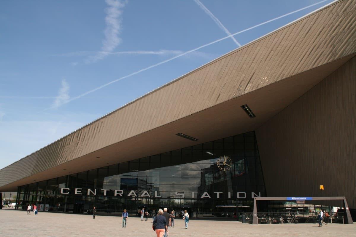 Dekorativer Bahnhof in Rotterdam