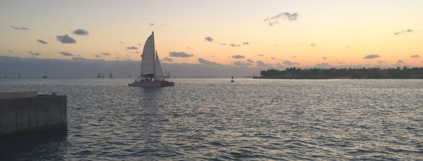 Segelboot im Sonnenuntergang vor Key West