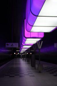 Lichtcontainer HafenCity-Universität lila