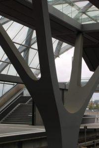 moderne-Details-Station-Elbbrücken