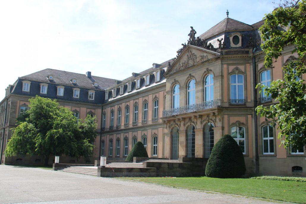 Rückseite Neues Schloss in Stuttgart