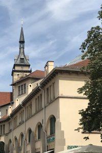 unscheinbare Markthalle Stuttgart von außen