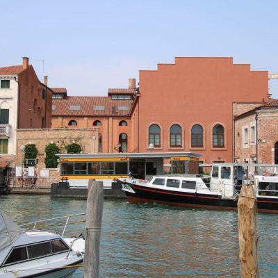 Vaporetto-Haltestelle Museo mit Vaporetto