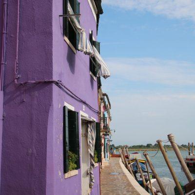 bunte Häuser an der Lagune