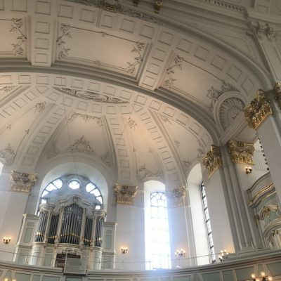 "Innenraum St. Michaeliskirche ""Michel"""