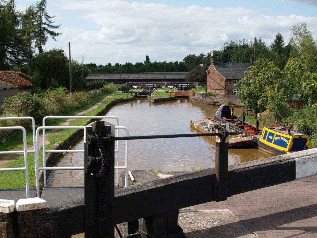Schleusen im Kanal