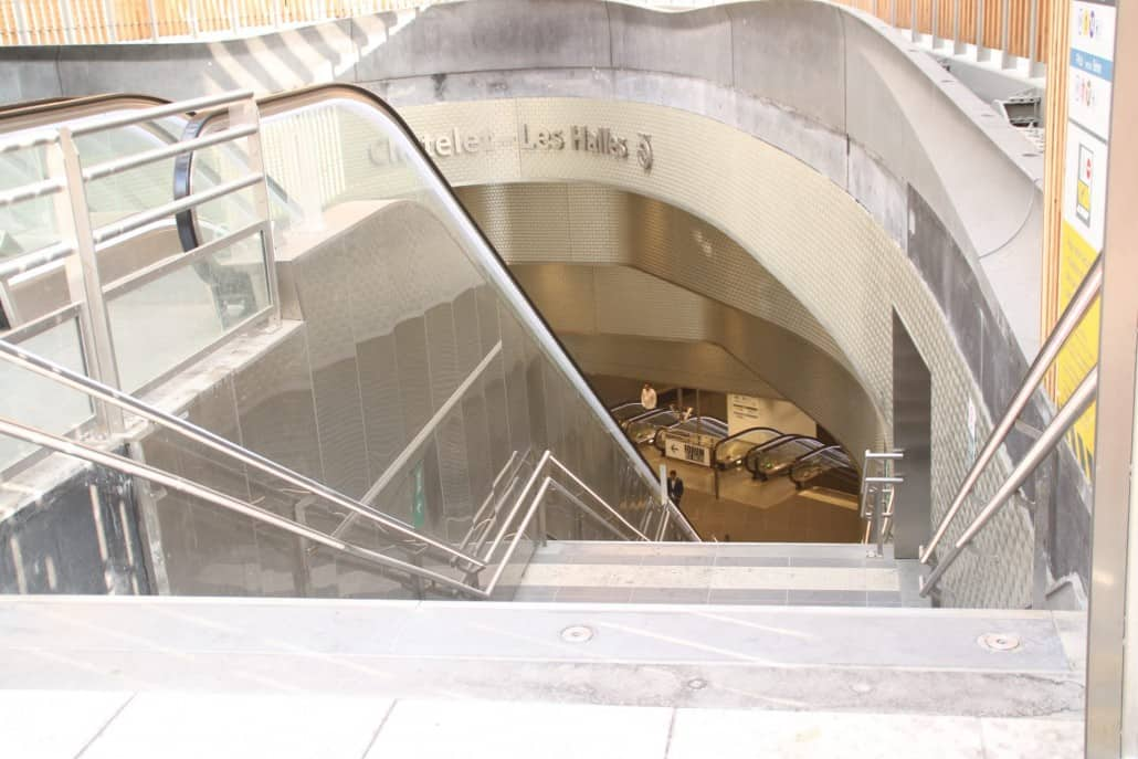 einer der Eingänge in die Metro-Station Chatelet Les Halles