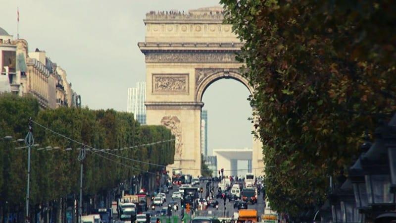 Paris Blick auf Triumphbogen und Grand Arche de la Défense