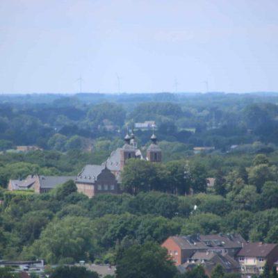 Aussicht vom Förderturm auf Kloster Kamp
