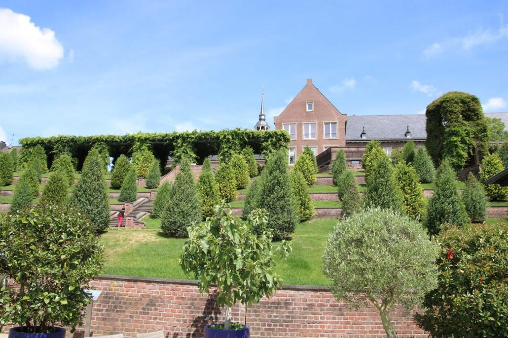 Terrassengarten mit Kloster Kamp
