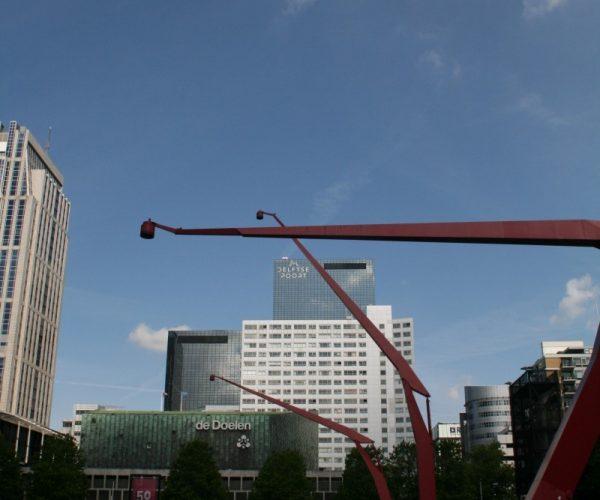 Rote Laternen auf dem Schouwburgplein